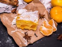 Kawałek mandarynka tort obraz stock