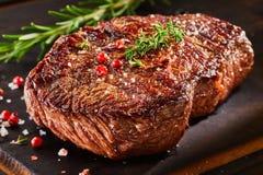 Kawałek pieczona wołowina z pikantność Fotografia Stock