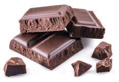 Kawałki czekoladowy bar na białym tle fotografia stock