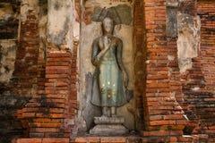 kawałki kamienie antykwarski Buddha, antykwarski ściana z cegieł i pagod Zdjęcia Royalty Free