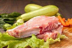Kawałki surowy mięso dla gotować Zdjęcia Royalty Free