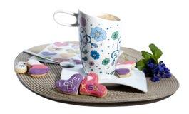 Kawa, ciastka i fiołki, Obrazy Stock
