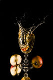 Kawałek spada w szkle appel Fotografia Royalty Free