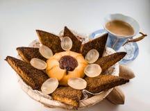 Kawa i ciastka dla jeden zdjęcia royalty free