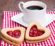 Kawa i ciastka z dżemem zdjęcie royalty free