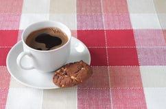 Kawa i ciastko z czekoladą Zdjęcia Stock