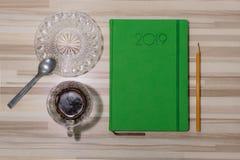Kawa i dzienniczek gotowy dla biznesowego spotkania zdjęcia stock