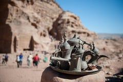 Kawa i herbaciany ustawiający w Jordania Obrazy Stock