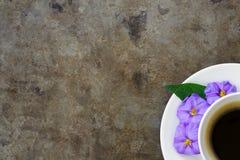 Kawa i kwiaty Obrazy Royalty Free