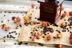 Kawa i róże zdjęcie stock