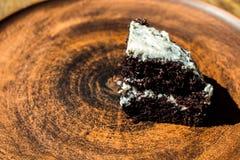 kawałka tortowy czekoladowy talerz Zdjęcie Royalty Free