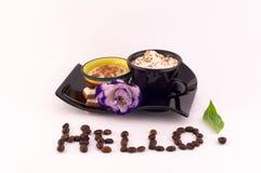 Kawa, śmietanka i kwiaty, Zdjęcie Stock