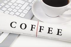 Kawa na biurku Obrazy Stock