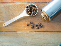 Kawa na drewnianym tle Obrazy Royalty Free