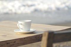 Kawa na plaży zdjęcia royalty free