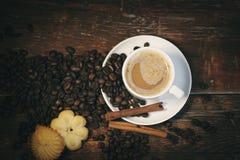 Kawa na stole fotografia stock
