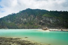 Kawa Putih, ` blanco del cráter del ` en Bandung, Java del oeste, Indonesia Fotos de archivo