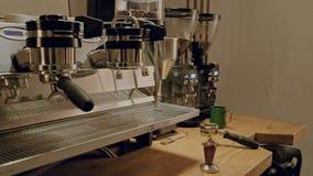 Kawa robi w kawiarnia sklepie zbiory