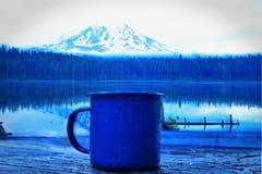 Kawa w górach Zdjęcia Royalty Free