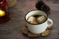 Kawa z marshmallow Wakacyjny pojęcie zdjęcia royalty free