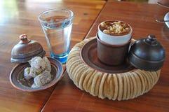 Kawa z orzechami włoskimi Zdjęcia Royalty Free