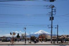 Kawaguchi, Japon - 4 avril 2019 : Façade avant de la station de train de Kawaguchiko photos stock