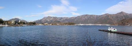 Kawaguchi sjö, Yamanashi, Japan Arkivbilder