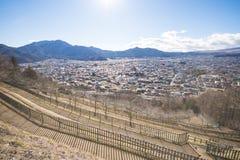 KAWAGUCHIKO, JAPÓN - 19 DE FEBRERO DE 2016: paisaje urbano de Shimoyoshi Fotos de archivo libres de regalías
