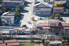KAWAGUCHIKO, JAPÓN - 19 DE FEBRERO DE 2016: paisaje urbano de Shimoyoshi Fotografía de archivo libre de regalías