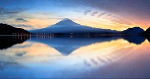 Kawaguchiko sjö Arkivbilder