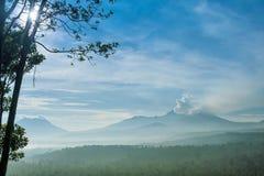 Kawah伊真火山火山,印度尼西亚 免版税库存图片