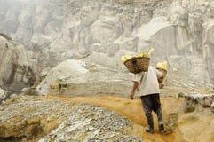 Kawah Ijen - sulfure el vulcano, Indonesia, Jawa del este Foto de archivo libre de regalías
