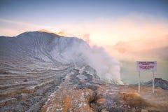 Kawah Ijen wulkan Wschodni Jawa, Indonezja obrazy stock