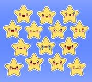 Kawaii星设置了,与眼睛的面孔,在蓝色背景的黄色颜色 库存图片