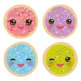 Kawaii заморозило печенья сахара, печенье итальянки свеже испеченное при пинк замораживая и красочный брызгает Яркий пинк фиолето иллюстрация штока
