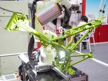Kawasaki-de visie van het robotwapen inspecteert assemblagedeel royalty-vrije stock foto's