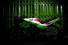 Kawasaki verde KR150SE ultra mette in mostra in pieno modificato fotografia stock