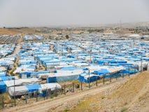 22 05 2017, Kawergosk, Ирак : Переполнятьый лагерь беженцев в Ираке с беженцами исчезая от или исламское государство стоковая фотография