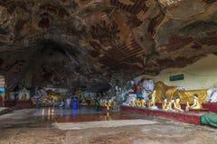 Kawgun grotta i Hpa-An, Myanmar arkivfoto
