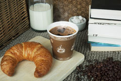 Kawiarnia i książki w ranku Fotografia Stock