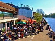 Kawiarnia na rzece Obraz Royalty Free