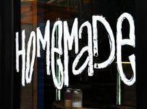Kawiarnia Oferuje Domowej roboty kulebiaki zdjęcie royalty free