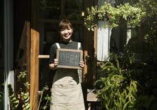 Kawiarnia Otwartego sklepu handlu detalicznego powitania zawiadomienia handlu detalicznego przód Obrazy Stock