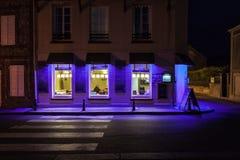Kawiarnia w purpurach fotografia stock