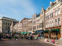 Kawiarnie na Vismarkt w Utrecht, holandie obraz royalty free