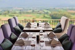 kawioru obiadowych blinów stołowy tablecloth Fotografia Stock