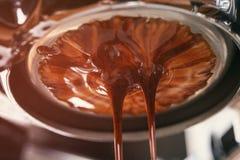 Kawowa ekstrakcja od fachowej kawowej maszyny zdjęcia royalty free