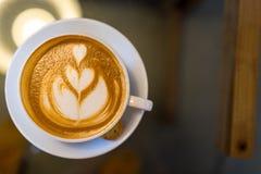 Kawowa Latte sztuka, ciastka i Zdjęcie Royalty Free