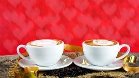 Kawowa miłość z sercami na mleku, Latte kawa Zdjęcia Royalty Free