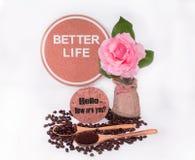 Kawowe fasole, Kawowe fasole w drewnianej łyżce i inspiracja, Obraz Royalty Free